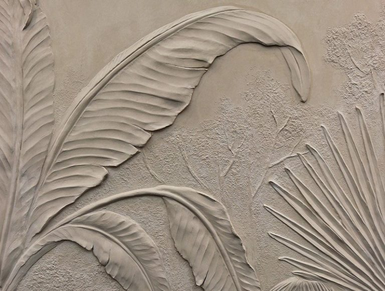 pigmentti-decorex-2018-scagliola-bas-relief-sculpture-jungle-banana-leaf